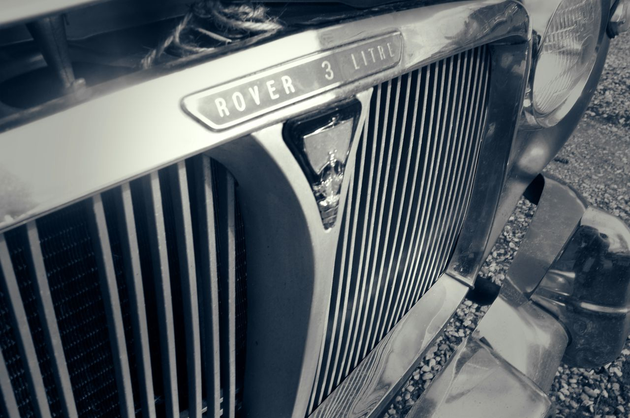 Rover P5 grille and 'Three Litre' badge