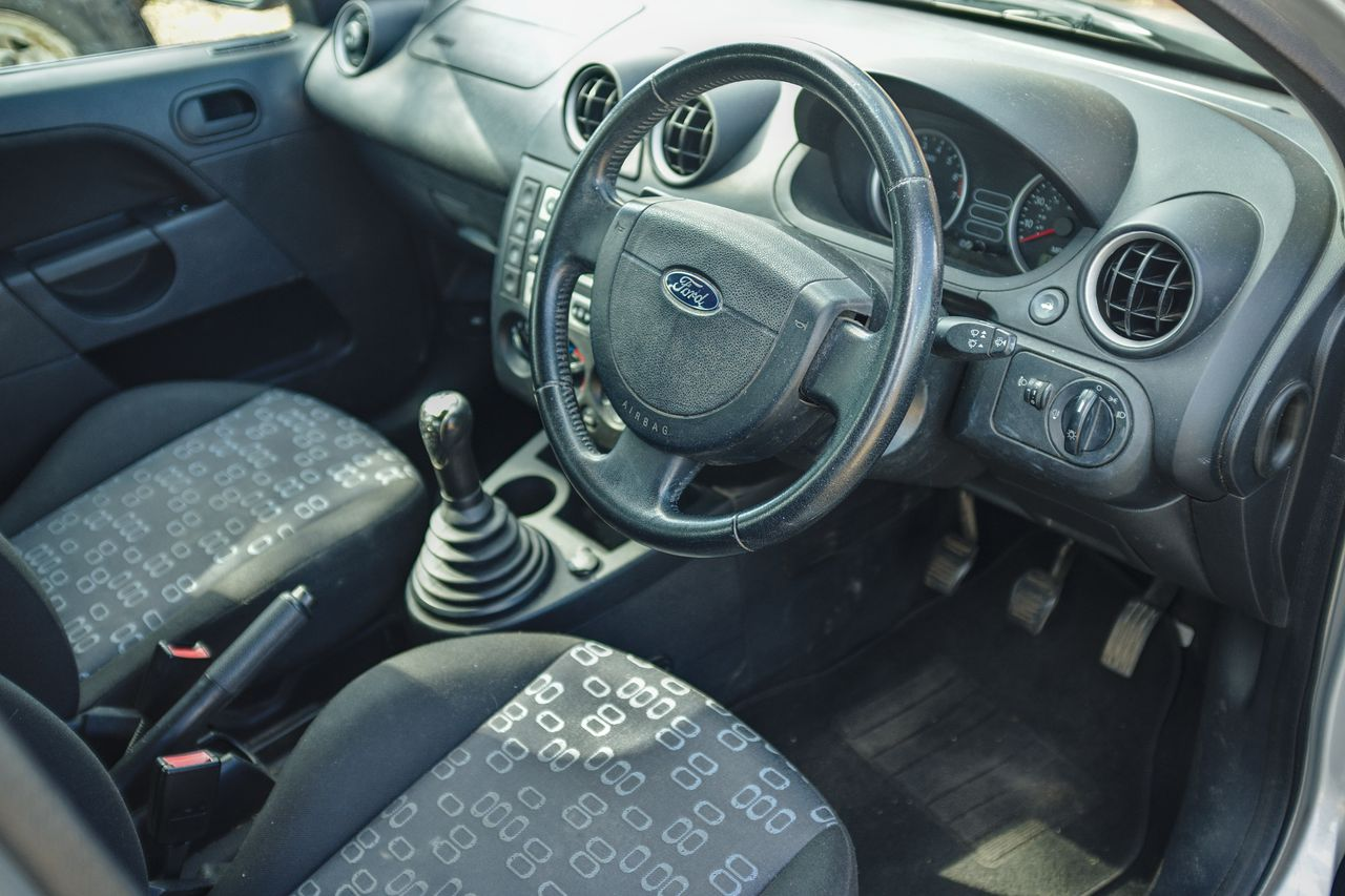 Ford Fiesta 1.4 LX interior