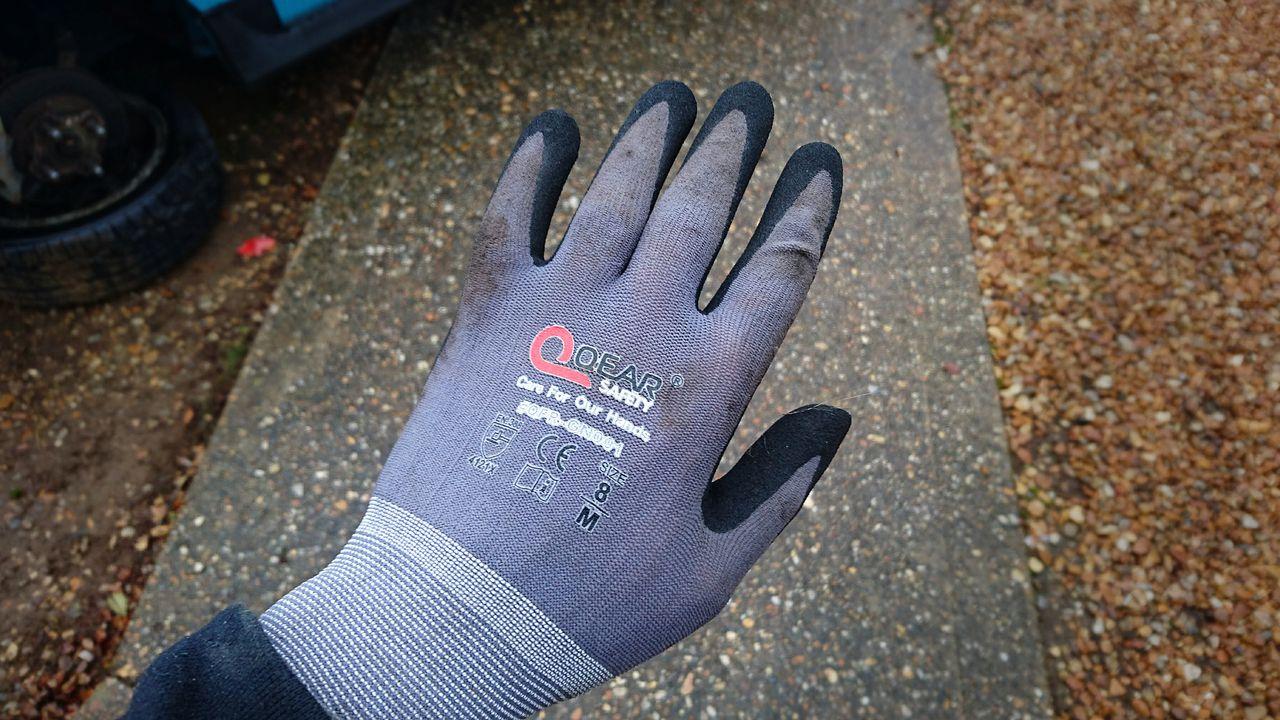 Cheap Quer gloves.